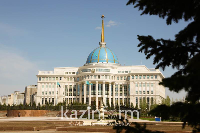 托卡耶夫总统向科威特新任埃米尔致贺电
