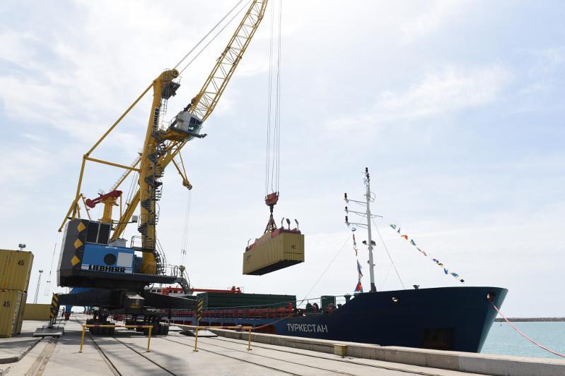阿克套和库里克港货运吞吐量稳步提升