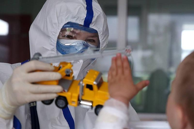 Coronavirus cases among children on the rise in Russia, expert says