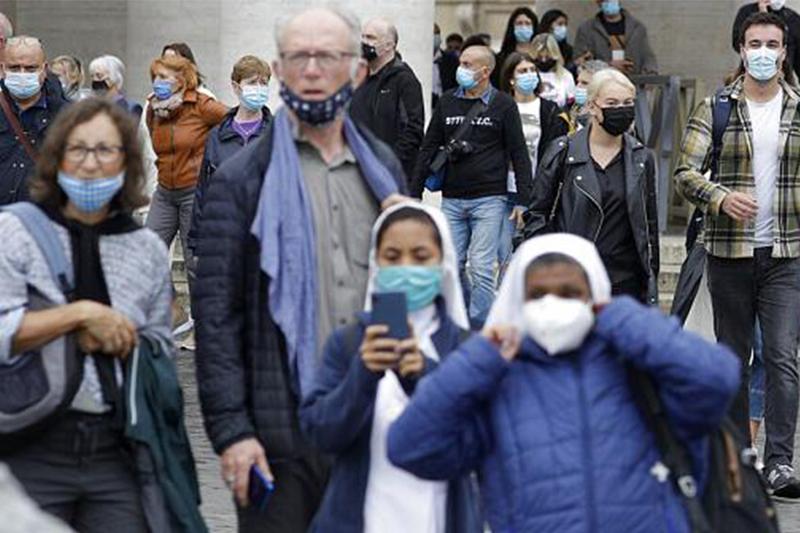 Италия тұрғындарына таза ауада да маска тағу міндеттелді
