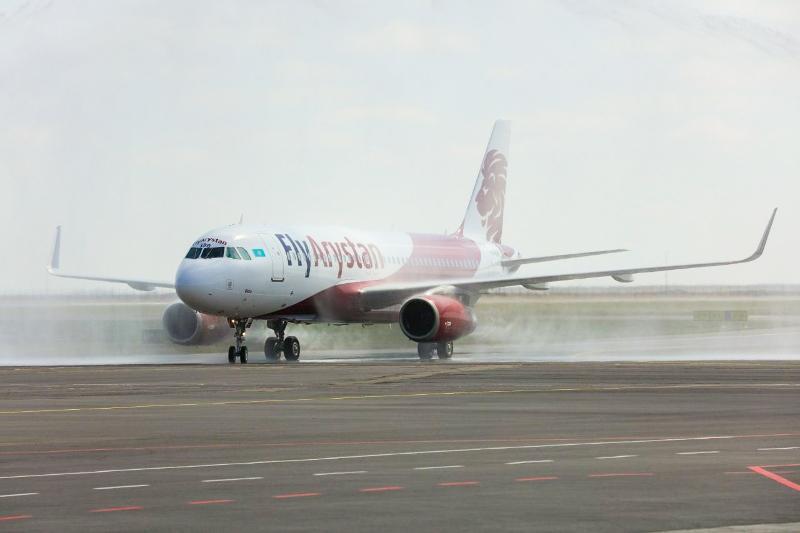 Самолет, вылетевший из Алматы в Костанай, вынужденно вернулся в аэропорт