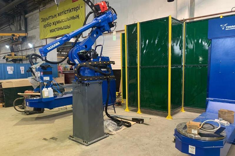 Робота-сварщика запустили на Кентауском трансформаторном заводе