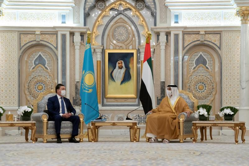 Mansour bin Zayed, Kazakh PM witness signing of MoU for investment partnership