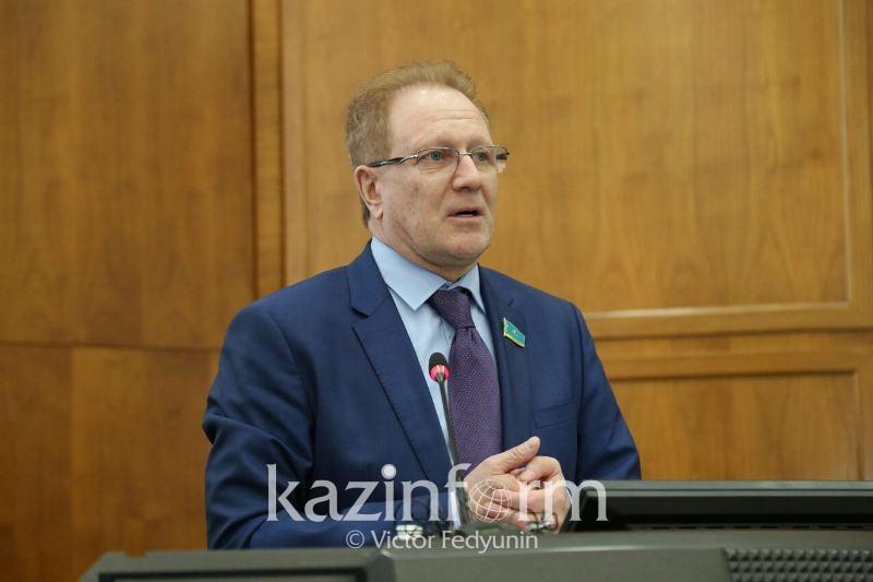 Ввести уголовную ответственность за незаконный оборот драгметаллов предложил депутат