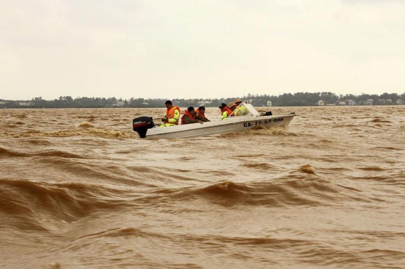 越南中部洪灾已致36死