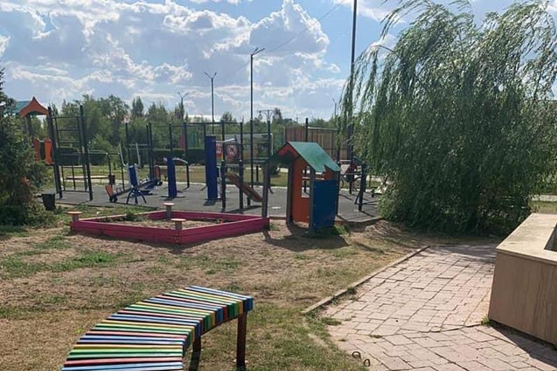 На 400 млн тенге благоустроили дворы в Уральске
