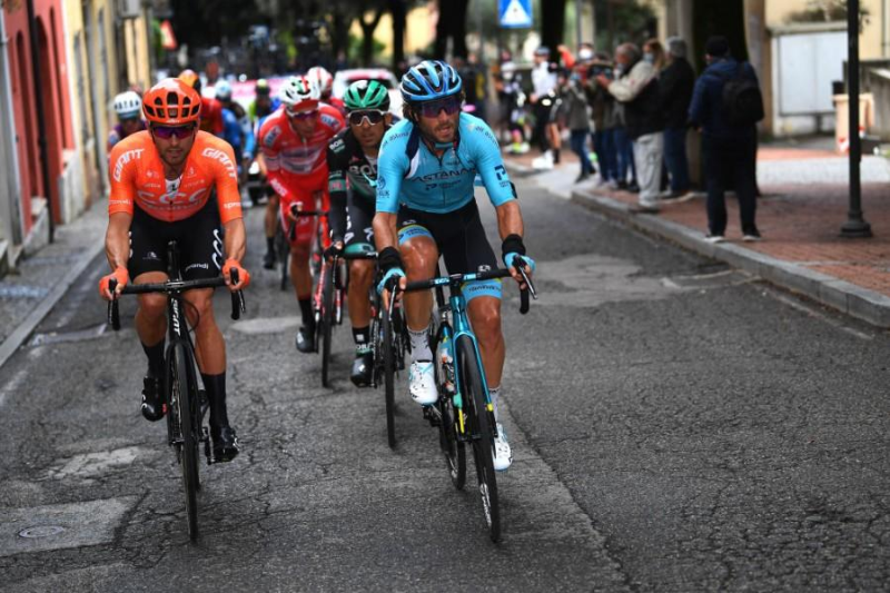 Astana's Boaro in the day's break for more than 150 km in Giro d'Italia Stage 12