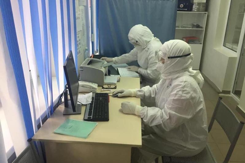Профессор из Алматы обучил медработников ЗКО борьбе с COVID-19