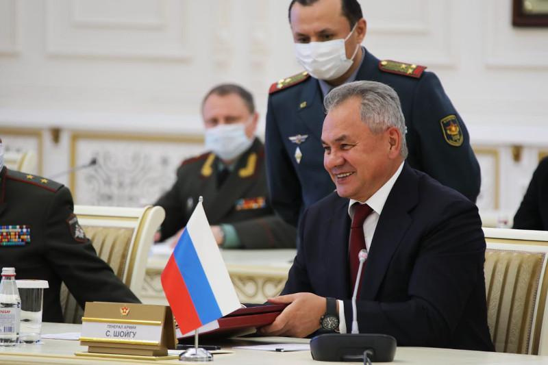 Казахстан получил уникальные архивные материалы от министра обороны России