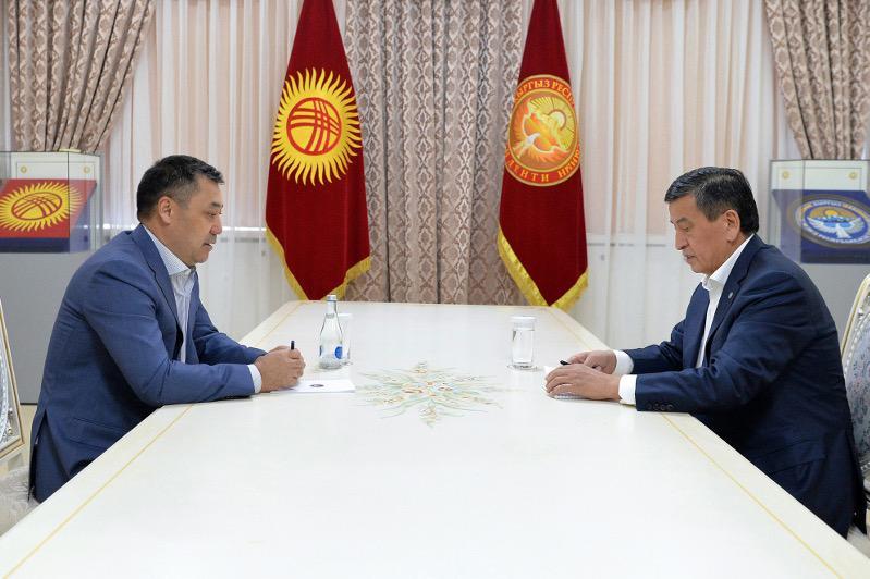 Сооронбаю Жээнбекову предоставлен статус экс-президента Кыргызстана
