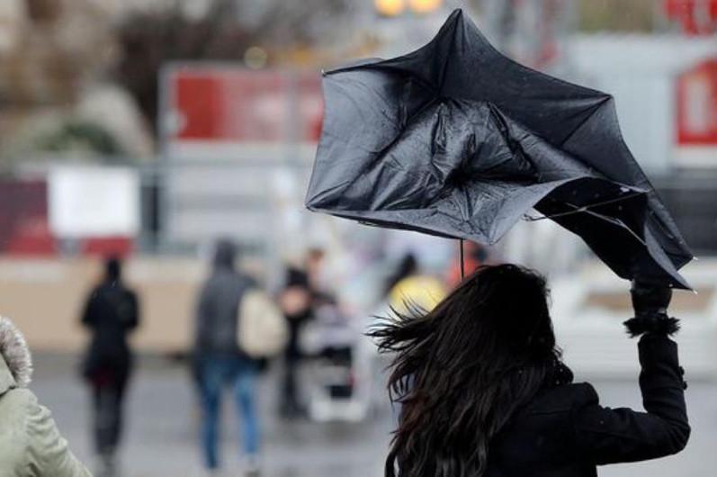 Сильный ветер ожидается в некоторых регионах Казахстана 17 октября