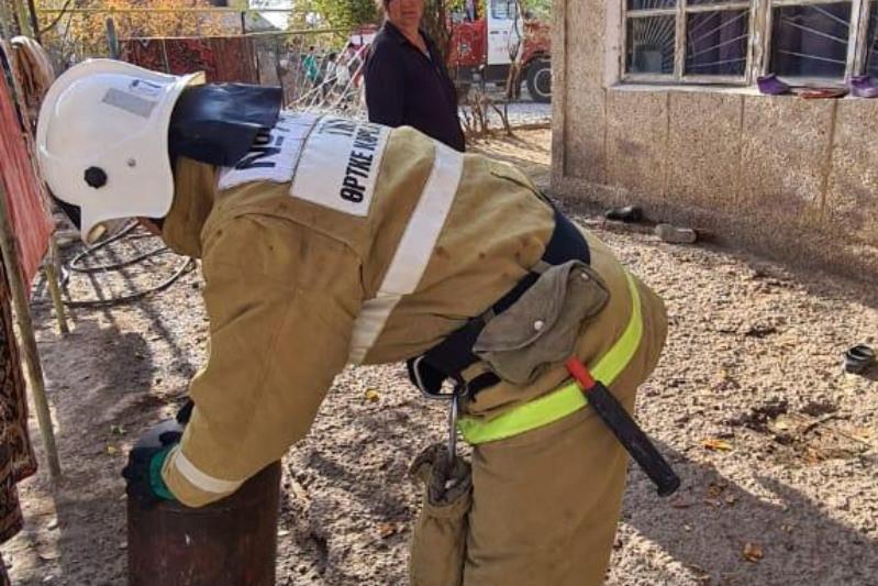 В Шымкенте нетрезвый мужчина пытался взорвать дома газовый баллон