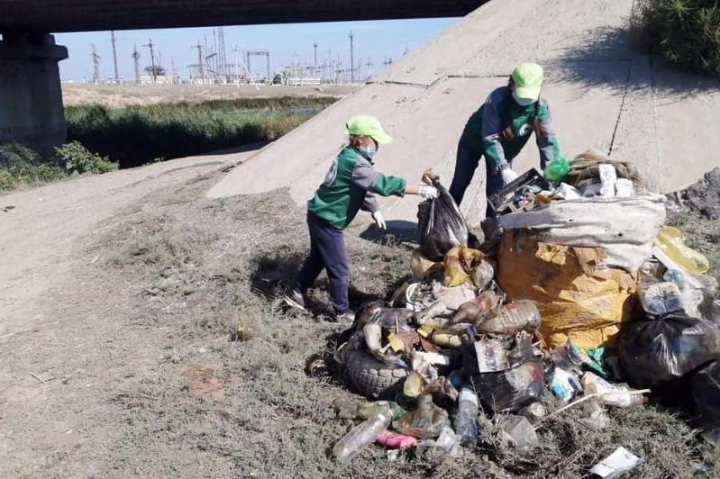 140 дополнительных мусорных контейнеров установят в районе ЗКО