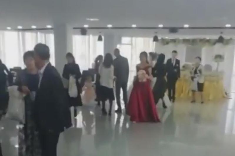 Пышную свадьбу на 90 гостей остановили полицейские Нур-Султана