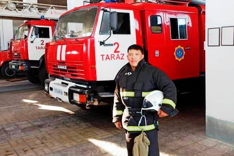 На линии огня каждый день таразский пожарный Оспан Сейлханов