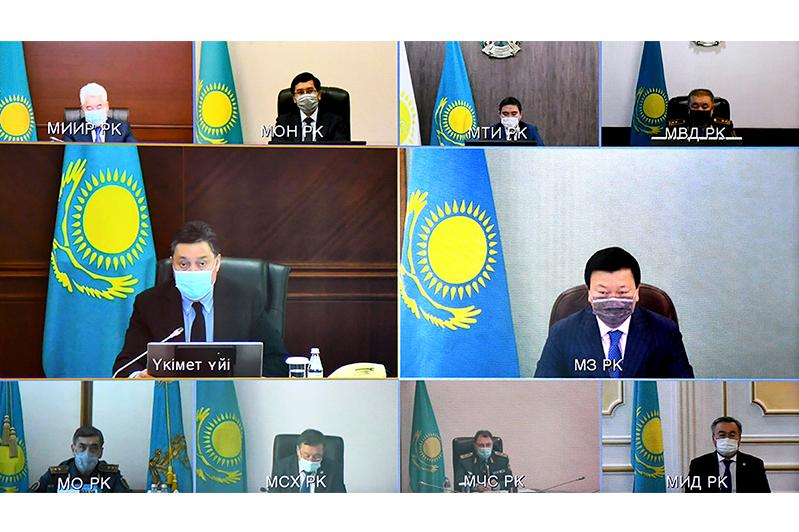 Kazakhstan to reduce int'l air service, to open cinemas
