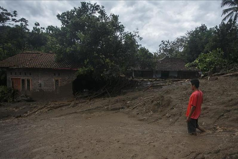 越南洪灾已致87人遇难