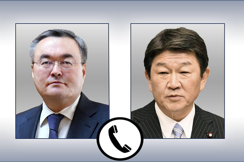 特列吾别尔德同日本外务大臣通电话