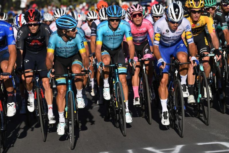 Astana's Fuglsang keeps on fighting towards Milan in Giro d'Italia race
