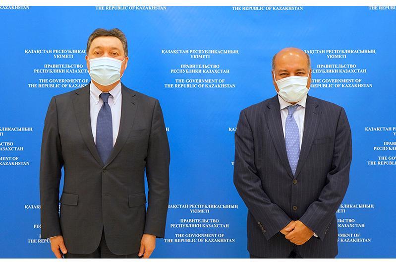政府总理马明同总统顾问查克拉巴蒂举行会谈