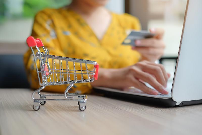 На жалобы клиентов популярного интернет-магазина отреагировал Комитет по защите прав потребителей