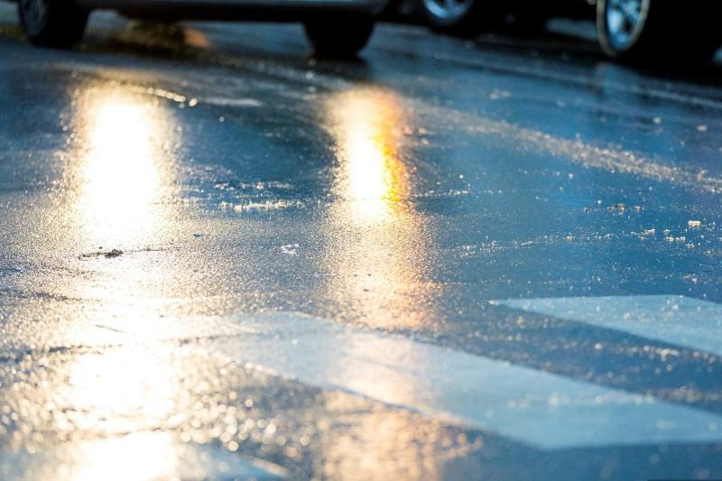 Об ухудшении ситуации на дорогах предупреждают водителей в СКО
