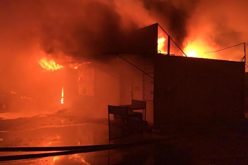 Рынок «Арай» горел в Караганде