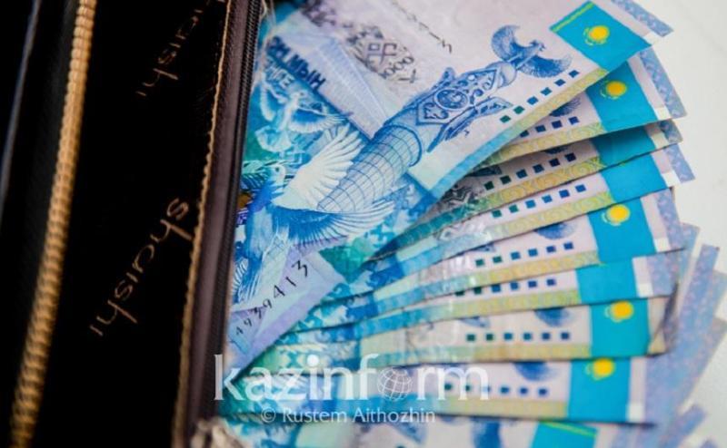 Выплаты медицинским работникам завершаются в Казахстане