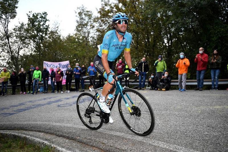 Astana's Boaro and Felline in breakaway in Giro d'Italia Stage 16