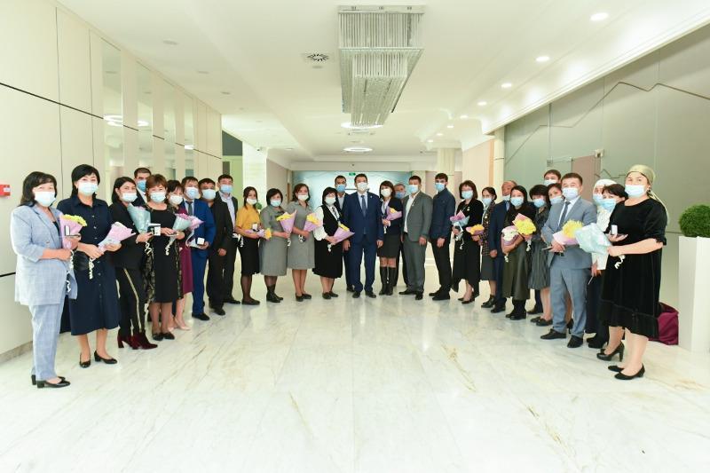 Медработников наградили в Туркестанской области