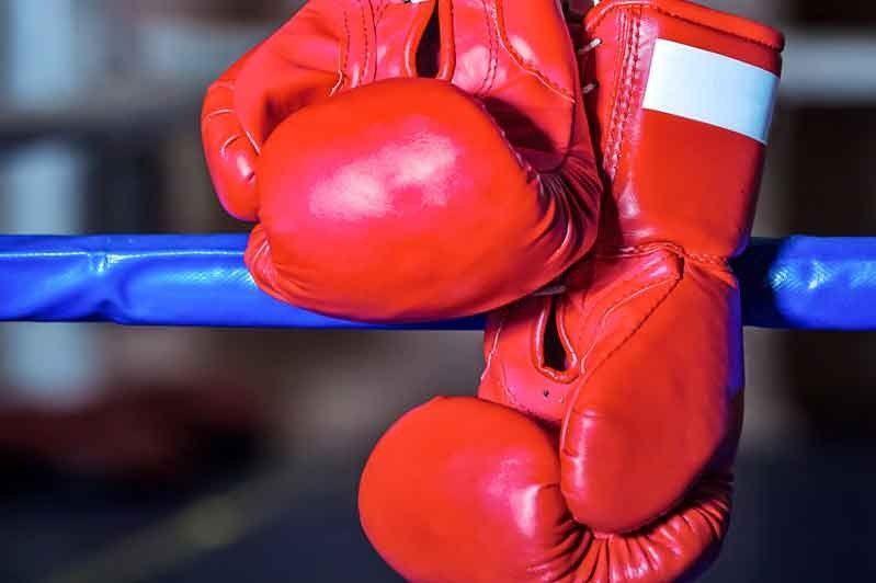 Qazaqstandyq boksshylar Almatyda WBC jáne WBO tıtýldary úshin aıqasady