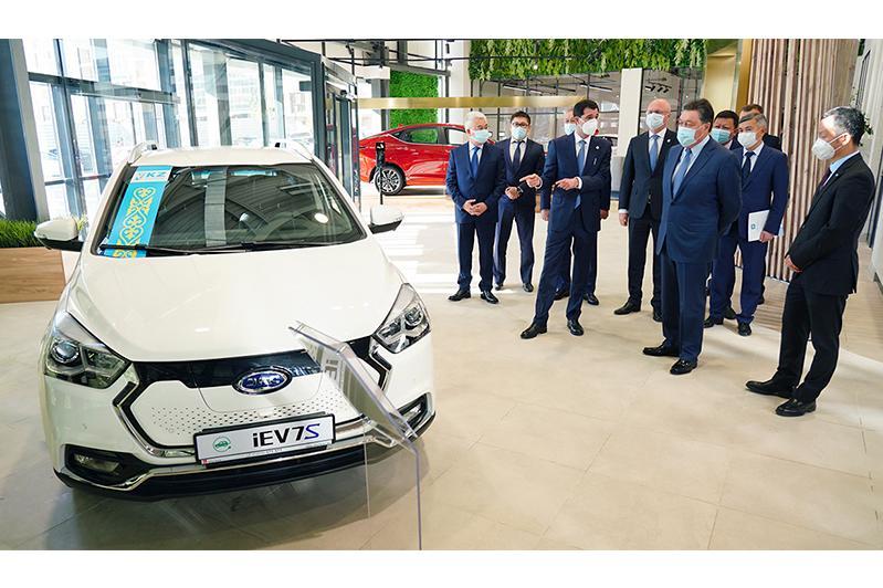 О развитии производства электромобилей в Казахстане доложили главе Правительства