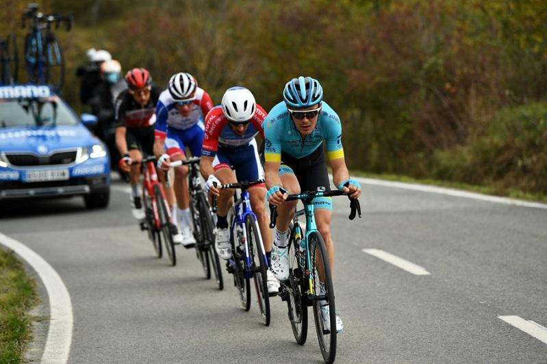 Astana's riders spend active day in Vuelta a España Stage 2