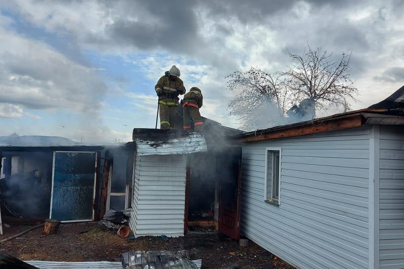 84-летнюю труженицу тыла спасли из огня в Акмолинской области