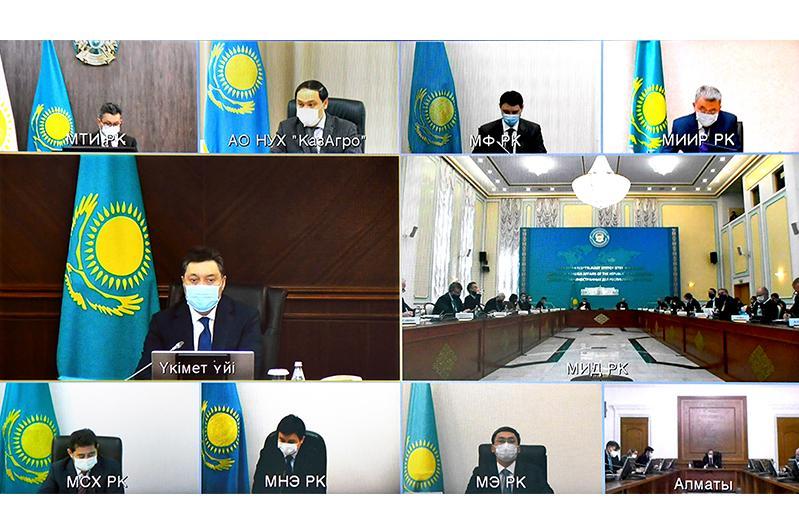 政府总理同欧盟成员国外交使团代表举行会议