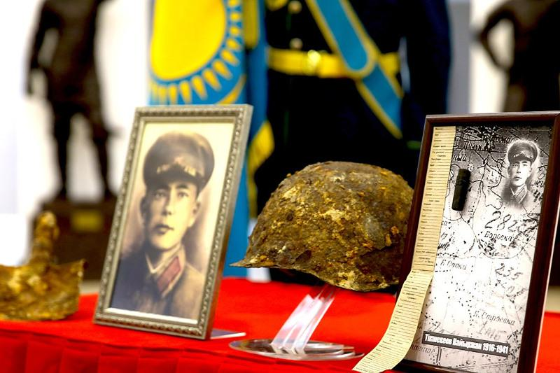 Останки трех казахстанских солдат ВОВ нашли на территории Украины