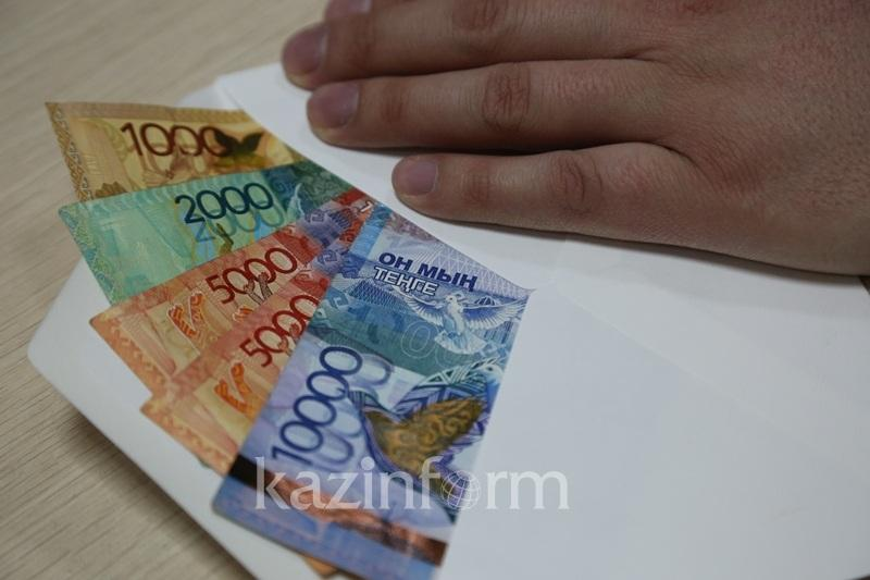 БҚО-да полицейге пара бермек болған өзбекстандық жүргізуші ұсталды