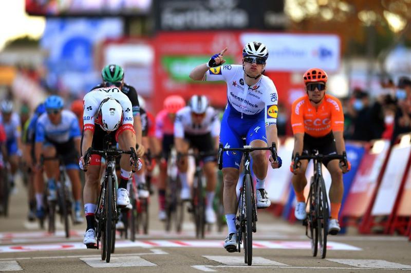 Astana Pro Team keeps race under control in Vuelta a España Stage 4