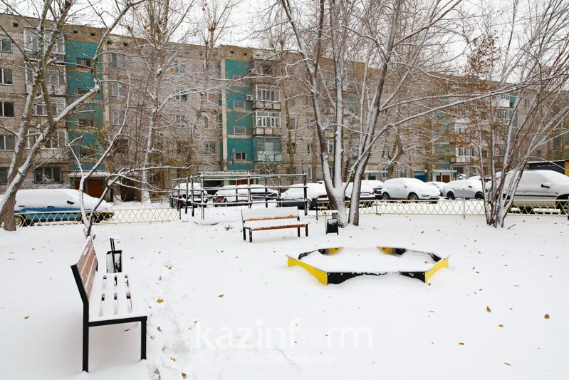 Нур-Султан накрыло снегом