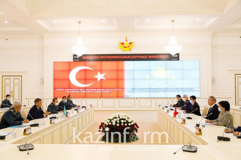 哈土国防部长达成共识 将扩大两国军事技术合作