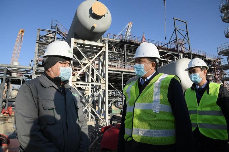 Нурлан Ногаев посетил объекты нефтехимпрома в Шымкенте и Туркестанской области