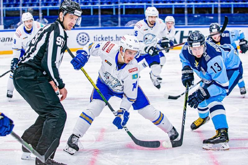 «Барыс» уступил «Сибири» и проиграл третий подряд матч в КХЛ