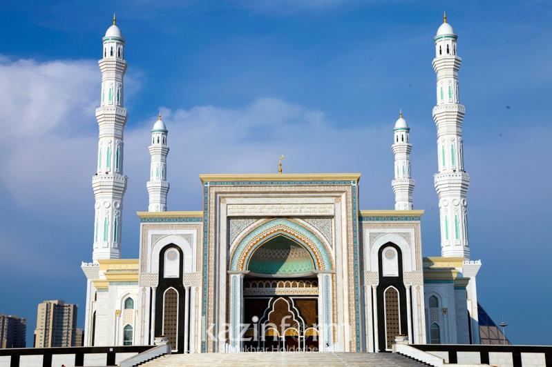 Как будут работать театры и мечети со 2 ноября