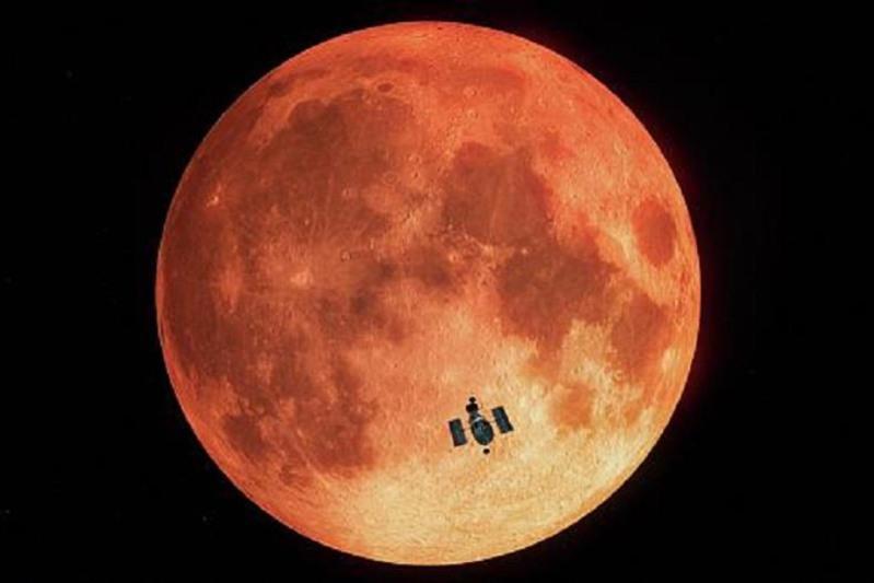 NASA: На солнечной стороне Луны есть вода