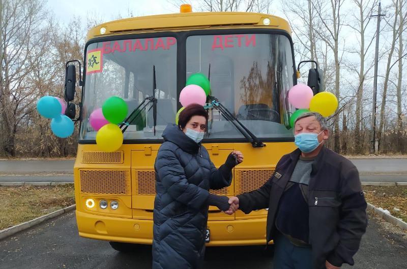 Для школ Акмолинской области закупили новые автобусы