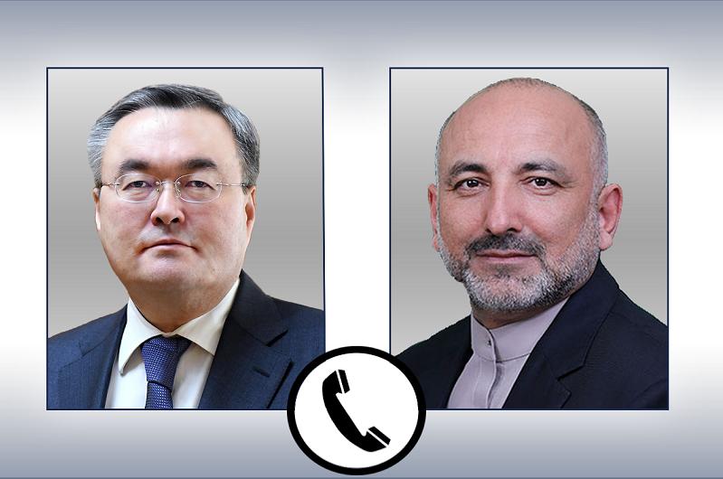 哈阿两国外长举行电话会谈