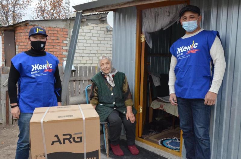 Помощь ветеранам оказывают волонтеры Таскалинского района ЗКО