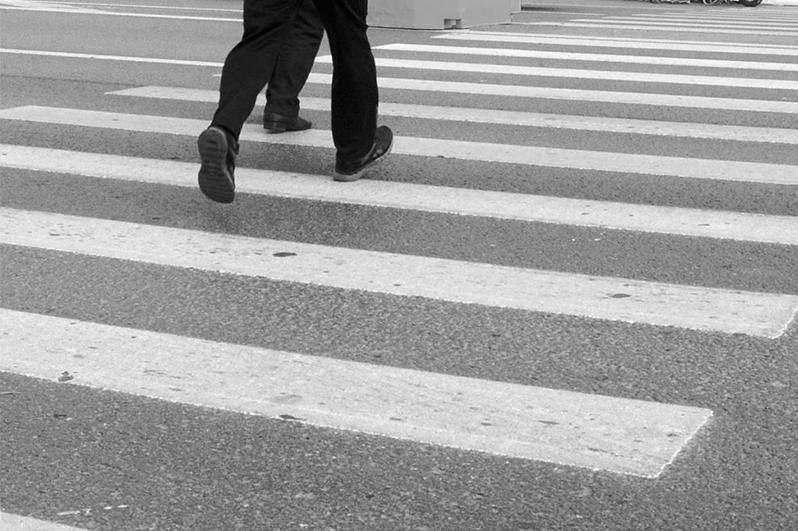 Двух пешеходов сбил водитель в Караганде: один мужчина скончался