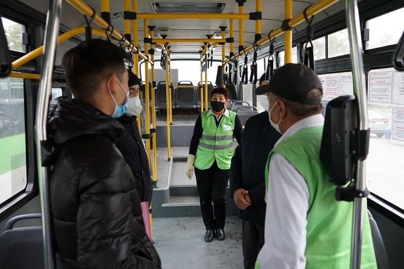 Как наказывают пассажиров без маски в автобусах Семея