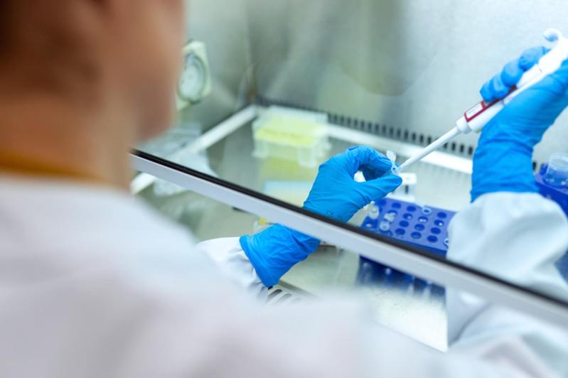 Мощность лабораторных исследований на КВИ доведут до 73 тысяч в сутки в РК